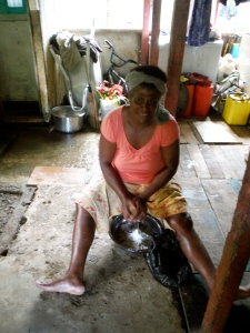 my lai preparing her catch for the market